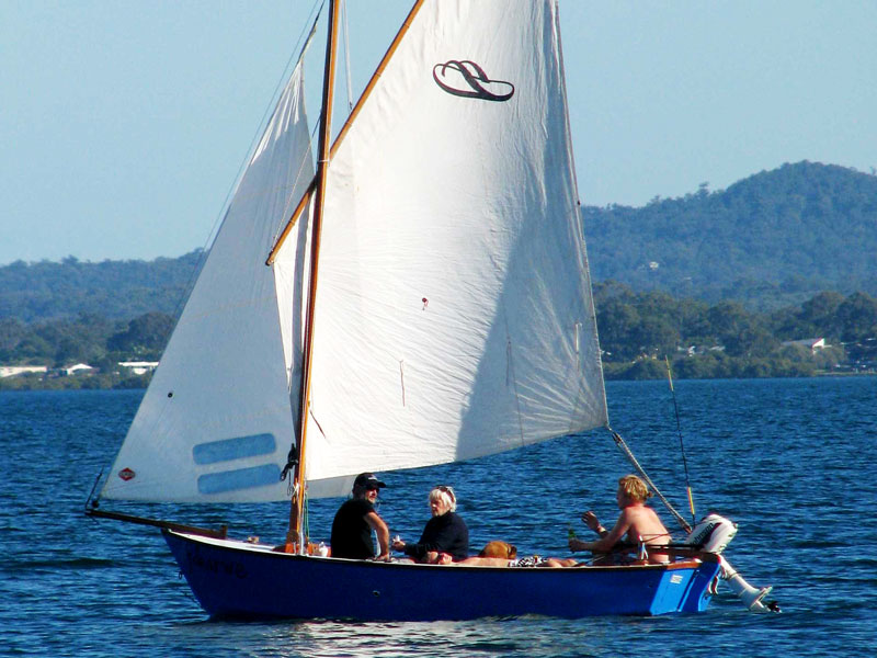Scruffie 16 | Our 16-foot kit sailing boat